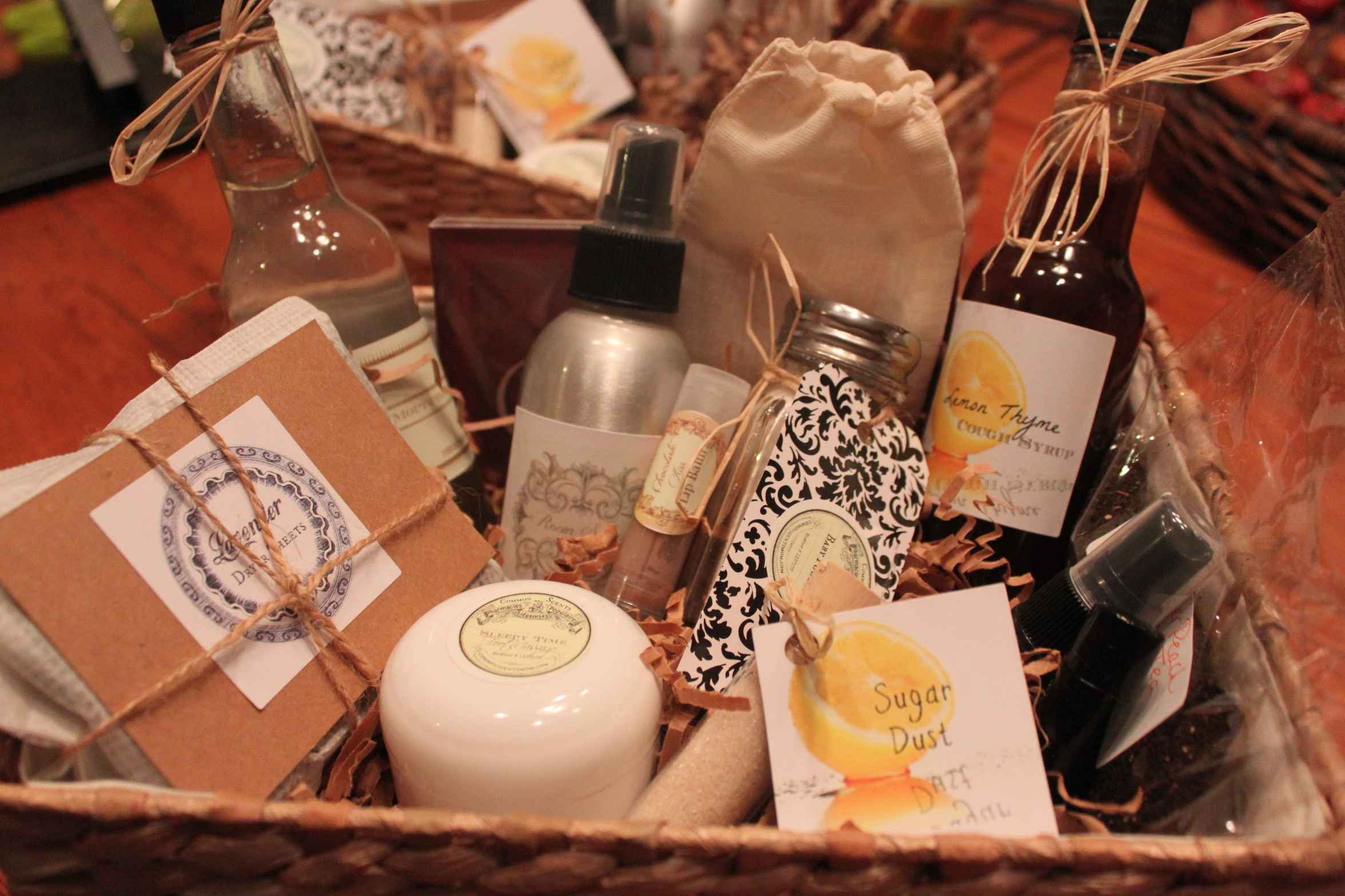 Themes For Gift Baskets: How To Make Unique Essential Oil Gift Baskets!