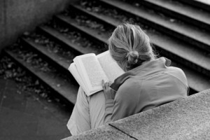 womanreadingdreamstime_xs_1745792